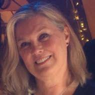 Lorraine Hull